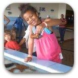 child at aquarium