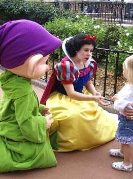 snow white with a child