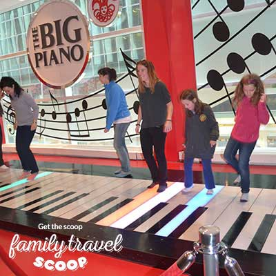 piano at FAO Swartz