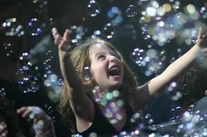 Gazillion bubble show girl
