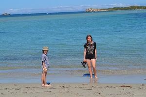 kids on the beach at penguin island