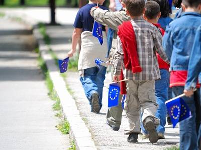 kids with European Union flag