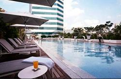 singapore hotel pool