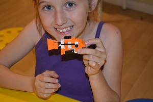 girl made nemo from lego