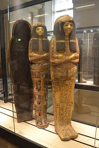 egyptian mummies at the louvre