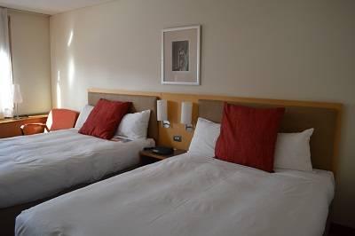novotel room darling harbour