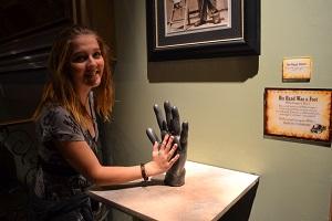 largest hand ripleys