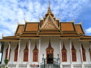 royal palace in phnom pen