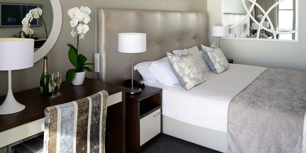 Lagoon Beach hotel and Apartments