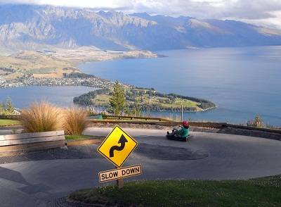 uge ride with view on lake Wakatipu and Queenstown in New Zealand