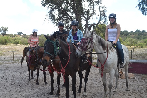 girls horsebackriding in Perth