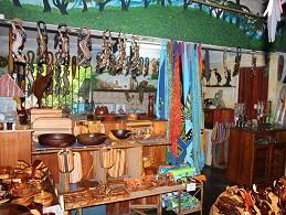 souvenier shopping in Manuel Antoni